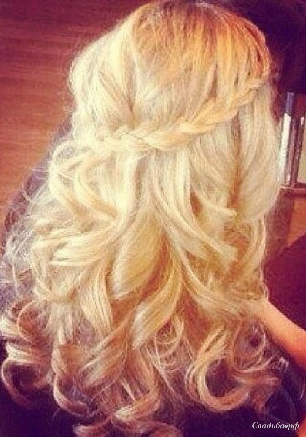 Прическа бантик с накрученными волосами